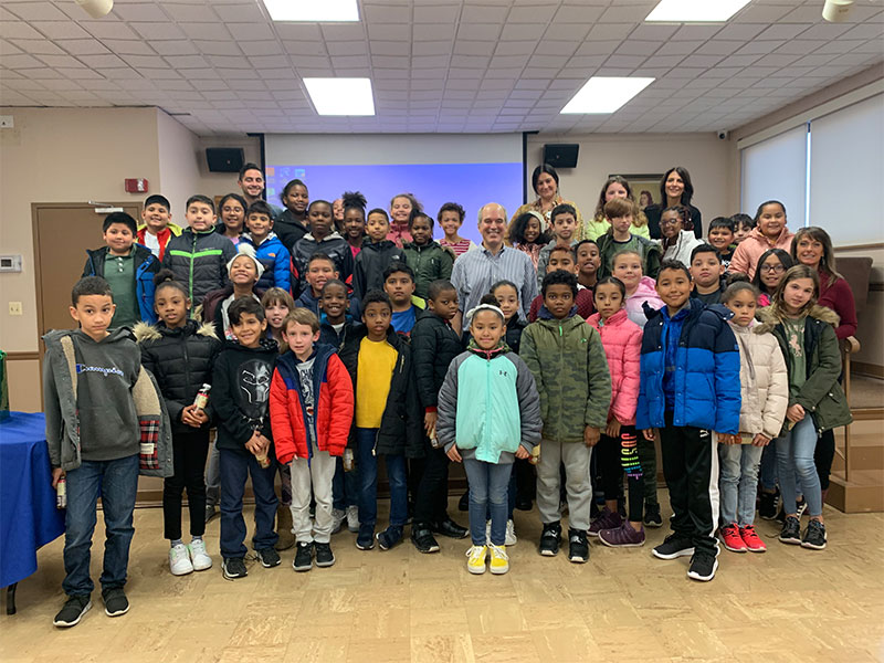 Students Meet Successful Author, Freeport Native